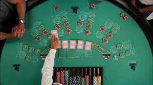 How to Play Middle and Small Hold'em in Texas Hold'em
